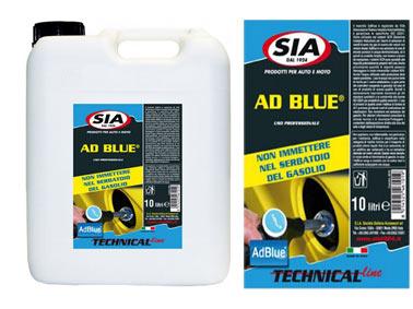 AdBlue è il marchio registrato per la soluzione AUS 32 (Aqueous Urea Solution 32.5%) che viene utilizzata nei sistemi SCR (Selective Catalytic Reduction) per abbattere le emissioni di ossidi di azoto nei gas di scarico, ridurre i consumi e migliorare il rendimento dei veicoli con motore diesel (la tecnologia SCR trasforma gli ossidi di azoto Nox in azoto e acqua). AdBlue è una soluzione al 32,5% di urea di elevata purezza in acqua demineralizzata, ed è quindi un prodotto limpido, non tossico e sicuro da manipolare.I sistemi SCR sono sensibili alle impurit… potenzialmente presenti nell´urea. Piccolissime quantit… di impurit… possono danneggiare in modo irreversibile i sistemi SCR. Anche l´acqua utilizzata nella produzione deve essere purissima. L´uso di acqua non pura è fonte di rischio per il vostro catalizzatore. La gran parte dei costruttori sospende la garanzia nel caso di uso di prodotto di scarsa qualit…. Quindi è estremamente importante mantenere gli alti standard qualitativi e la conformit… alla norma ISO 22241 per prodotti di qualit… come Air1. L´uso di prodotti di qualit… come l´AdBlue di Sintesi di Air1 previene gli elevati costi di sostituzione dei catalizzatori. Confezione: Tanica Gr./ml: 10000 ml
